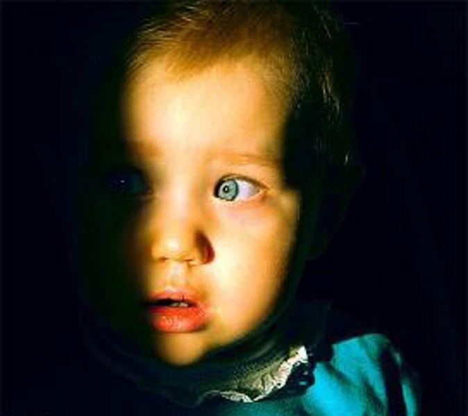 چرا خانواده کودک را می ترساند؟