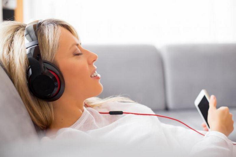 کاهش درد و استرس بعد از جراحی با موسیقی